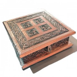 Caja de madera y aluminio...