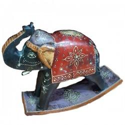 Elefante balancín de madera